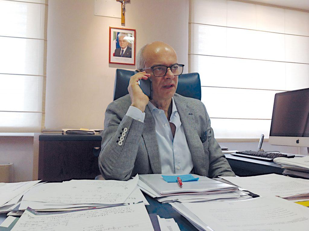 Giustini in Comune, il governatore da Bruxelles: «Vuol condividere la bozza. Ma non sia una notifica...»
