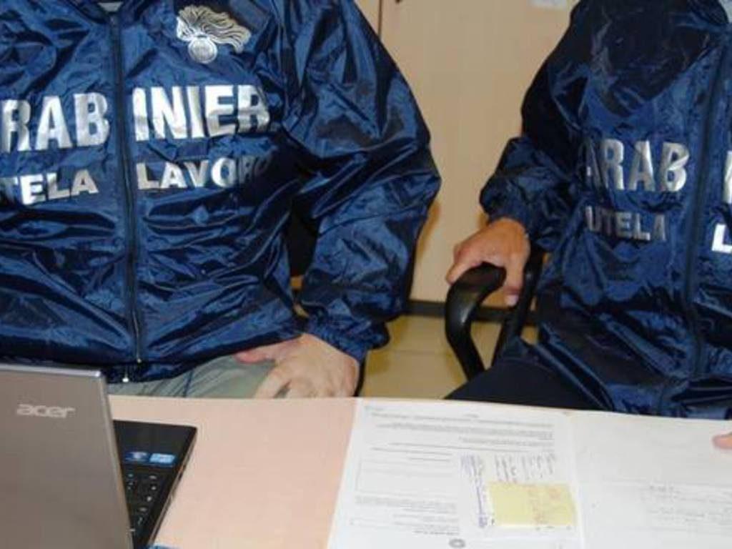 Cinque camerieri in nero, multa da 50mila euro per un ristoratore isernino