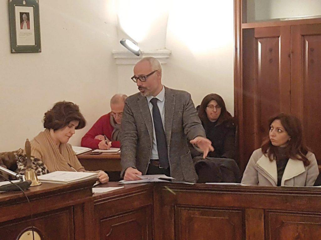 Forciniti non ci sta e scende in guerra: illegittima la nomina di Scafarto all'Asrem