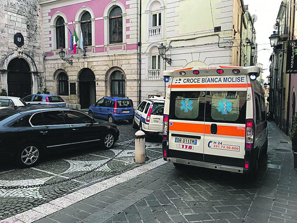 Dramma nel centro storico di Isernia, 29enne muore in casa
