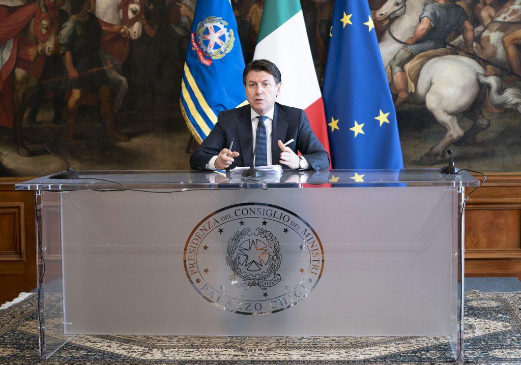 Versamenti sospesi, congedi e bonus: i contenuti del decreto 'cura Italia'