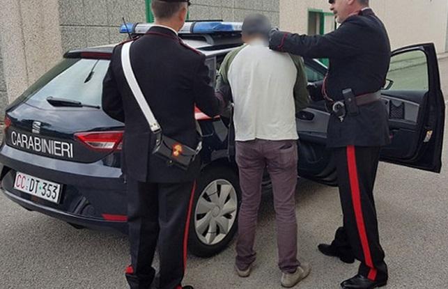 I Carabinieri arrestano esponente della camorra ai domiciliari a Venafro