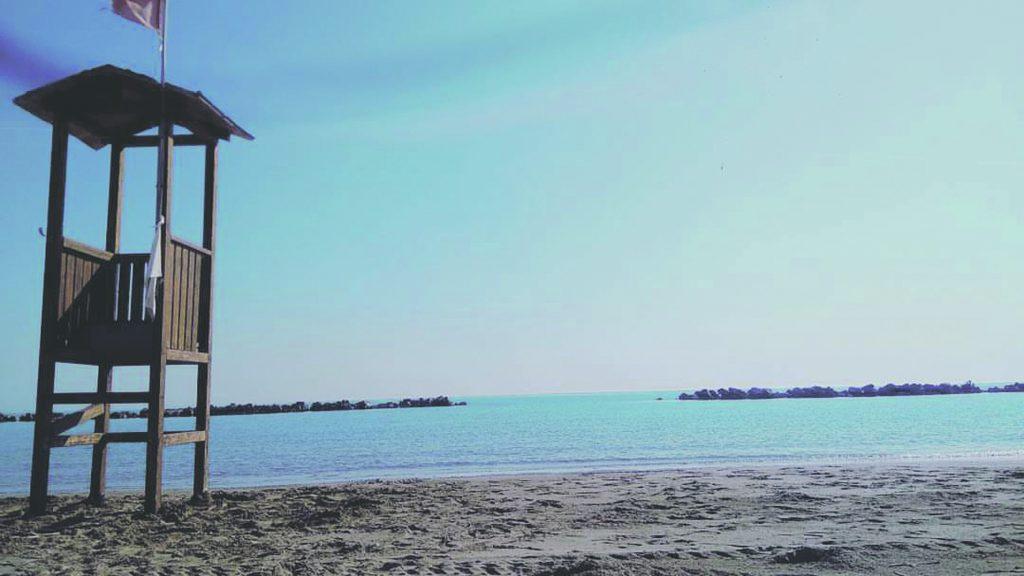 Campomarino, bagnante 30enne accusa malore in acqua: soccorso al lido Aurora