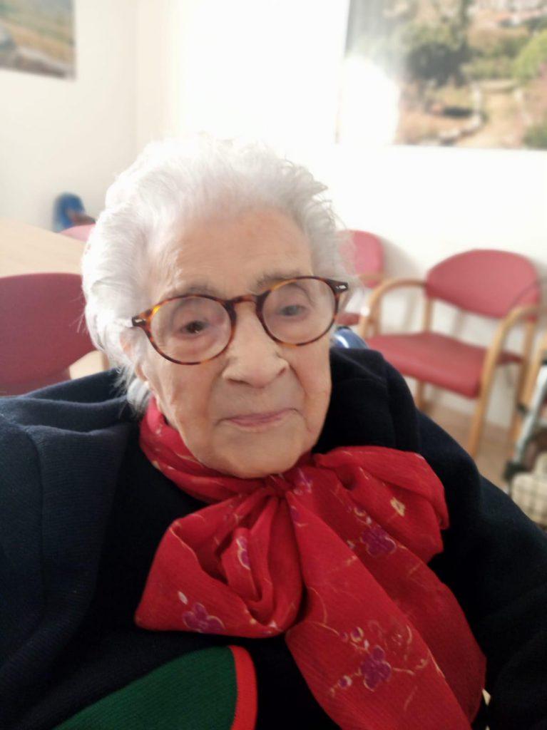 Raffaela Sozio spegne 106 candeline, un record per la nonna di Capracotta