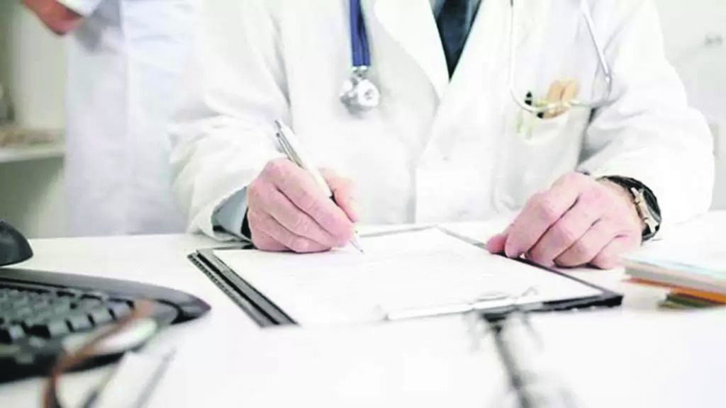 Antigenici, accordo coi medici di base: «Però in strutture Asrem o comunali»