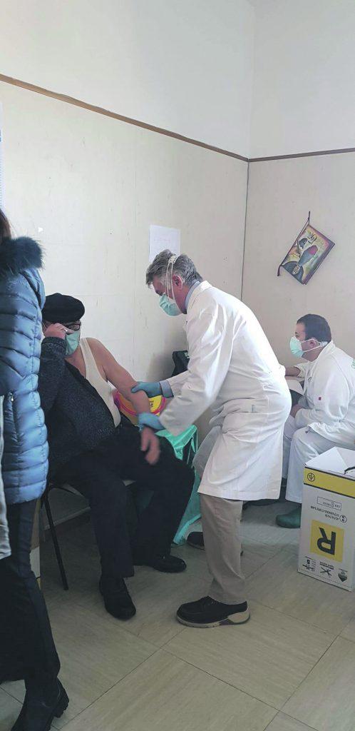 Vaccino over 80, De Chirico: una buona notizia, ma...
